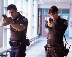 Rookie Blue hot hot hot cop show ;)