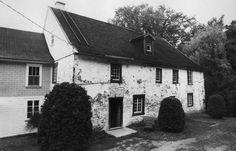 Archives personnelles. Moulin du Petit Canton: façade Sud. Construction: vers…