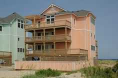 Nice Hatteras  Right on the beach