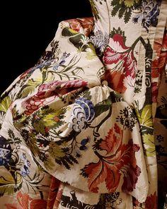 Mantua (image 3)   England; Spitalfields   Textile: 1733-1734; Constructed: 1735-1740   silk, linen, canvas, brown paper   Victoria & Albert Royal Museum   Museum #: T.324&A-1985