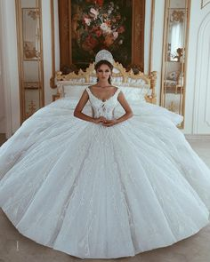 Wedding Gown Ball Gown - Based on your venue agreement, there could be a few constraints with regards to the sort of decor it is possible to generate or Princess Wedding Dresses, Dream Wedding Dresses, Bridal Dresses, Gown Wedding, Lace Wedding, Amazing Wedding Dress, Beautiful Wedding Gowns, Ball Dresses, Ball Gowns
