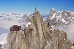 the refuge of Cosmiques (3.613 μ.) and the peak Aiguille du Midi (3.842 μ.)