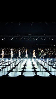 BALENCIAGA SPRING 15- catwalk - runway - model - fashion