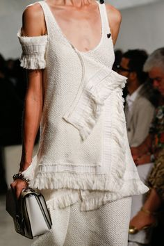 Proenza Schouler Spring 2016 Ready-to-Wear Accessories Photos - Vogue Fashion Details, Fashion Trends, Fashion Design, Only Fashion, High Fashion, Womens Fashion, Fashion Show, Spring Summer Fashion, Spring 2016
