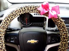 Cheetah Steering Wheel Cover with Bow   Cheetah Car Accessories $22 www.etsy.com/shop/TurtleCoveStudio