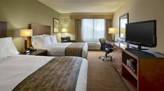 Justin David: Bed Scarves - DoubleTree by Hilton Hotel Boston North Shore, MA -