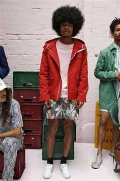 Hentsch SS15 http://www.fashionsnoops.com/ReportPage/men/Runway Analysis/Themes/London-Themes-26710/Spring 15-38