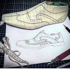 sefa 👡👠👢 (@sefagurcu) • Фото и видео в Instagram Shoe Template, Shoe Pattern, Only Shoes, How To Make Shoes, Shoe Art, Designer Boots, Pattern Making, Leather Craft, Pattern Fashion