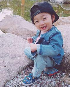 Oh my gosh, so cute ♡♡ Little kook ( Hong Eun woo ) Cute Asian Babies, Korean Babies, Asian Kids, Cute Babies, Baby Kids, Beautiful Children, Beautiful Babies, Baby Boy Outfits, Kids Outfits
