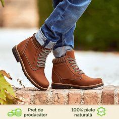 Un model care va aduce cu siguranta o pata de culoare si vitalitate tinutei copilului dumneavoastra. Cu un design modern si foarte practic, acest model surprinde prin comoditate si dinamism. Pot fi purtate la munte, in excursii sau plimbari in timpul sezonului rece. Finisajul pielii tip bufo ofera un plus de prospetime. Timberland Boots, Combat Boots, Shoes, Fashion, Moda, Zapatos, Shoes Outlet, Fashion Styles, Shoe
