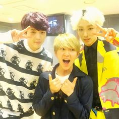 """Key's Instagram: """"visitor yeong-gam"""".  Onew with Woohyun (Infinite) & Key (SHINee): """"ToHeart"""". (30 March 2014)."""