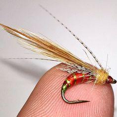 ...Back to fresh water...size 12... #flyfishingaddict #flytyingtable #flytyingporn #flytyingaddict #tyingflies #flyfishingnation #flyfishingjunkie #fliegenfischen #perhokalastus #bassfishing #fishingflies #flytying #flyfishing #deercreekflies #troutfishing #flyfishingporn#loonoutdoors #flugbindning#flyfishingonly #flyfish #flytyingfanatic #speyfishing #flyfishinglife #flydressing #flugfiske #fluefiske #minnow #flylords#troutflies#troutbum