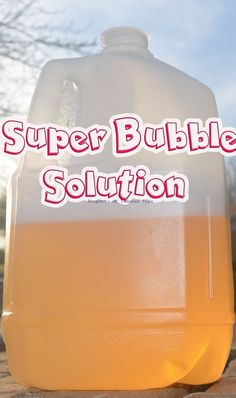 water, 2 c dish soap, 1 c dish soap Super Bubble Recipe! Homemade Bubble Recipe, Homemade Bubbles, Bubble Recipes, Summer Activities, Craft Activities, Toddler Activities, Games For Kids, Diy For Kids, Crafts For Kids