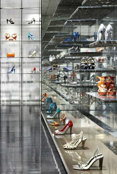 Oakbrook Mall Shoe Stores