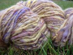 Spinning a Wool Batt into Yarn on a Schacht Ladybug and Ashford Country Spinner - YouTube
