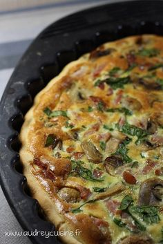 recette de la tarte aux lardons et champignons Vegetarian Recipes Easy, Healthy Crockpot Recipes, Healthy Snacks, Healthy Smoothie, Cupcake Recipes, Pie Recipes, Snack Recipes, Mushroom Pie, Bacon Mushroom