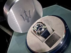 Bvlgari also collaborated with Maserati for this Octo Maserati watch.
