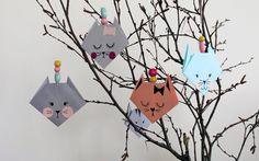 Fastelavnskat DIY | Den Kreative Sky Basic Origami, Japanese Origami, Origami Folding, Japanese Paper, Diy Den, Gato Origami, February Holidays, Kids Carnival, Diy And Crafts