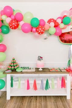 One In A Melon first birthday party. Cake smash and decor First Birthday Theme Girl, Smash Cake First Birthday, 1st Birthday Party Themes, First Birthday Decorations, Watermelon Birthday Parties, Girls Party Decorations, One In A Melon, First Birthdays, Bookmarks Kids