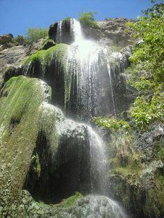 Escondido Falls // 27200 Winding Way  Malibu, CA 90265