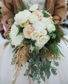 Need a bridal bouquet inspiration for your wedding? Consider the white bridal bouquet. While we love scoping out all of the innovative floral designs that are out there, a white bouquet will forever be timeless. But why white? Winter Wedding Flowers, Floral Wedding, Winter Weddings, Fall Wedding, Outdoor Winter Wedding, October Wedding, Boho Wedding, Wedding Blog, Winter Bridal Bouquets