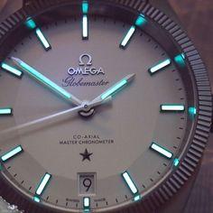 I feel like it's staring at me.....#lumepic #thewalloflume #illumenauts #nofilter Omega Globemaster  #omega #globemaster #seamaster #omegaglobemaster #speedmaster #lumeshot ------------------------------------ #omegawatches #watchporn #womw #watchesofinstagram #watchoftheday -------------------------------------- #wis #watch #watchgeek #watchnerd #watchcommunity -------------------------------------- #watchfam #watchaddict #watchart #watchgame…