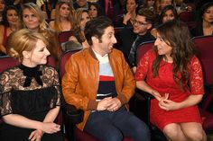 Actors Melissa Rauch Simon Helberg and Mayim Bialik attend the People's Choice Awards 2017 at Microsoft Theater on January 18 2017 in Los Angeles...