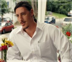the cold never bothered me anyway • hishandstho: Eric Balfour ...