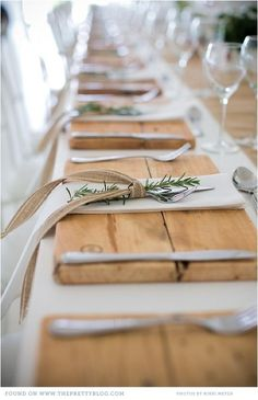 Love the wooden placemats #farmhousestyle