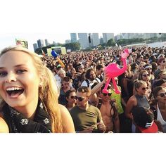 When your squad is really having fun:heart_eyes:  #fbf #lollapalooza