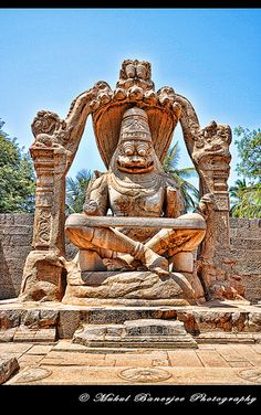 Lakshmi Narasimha - one of 10 incarnations of vishnu. Lakshmi used to be above, but only her hand is visible now on his back Indian Temple Architecture, Ancient Architecture, Art And Architecture, Temple India, Hindu Temple, Karnataka, Hampi India, Indian Gods, Indian Art