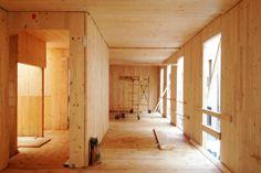 Edificio madera en Granada España