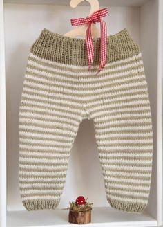 Propiedad privada por epipa: Knitting Crochet For Boys, Knitting For Kids, Free Knitting, Baby Leggings, Baby Pants, Baby Knitting Patterns, Baby Born Clothes, Baby Alpaca, Pants Pattern