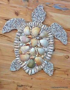 Octopus, Seahorse and Sea Turtle Wall Art, Stained Glass and Seashell Mosaic Sea… Oktopus, Seepferdchen und Meeresschildkröte Wandkunst, Glasmalerei und Muschel Mosaik Meerestiere von Lucy Sea Crafts, Diy And Crafts, Arts And Crafts, Sea Turtle Crafts, Homemade Crafts, Nature Crafts, Summer Crafts, Baby Crafts, Seashell Art