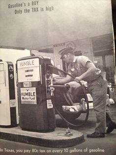 1958 Mac Goldsby at his new Humble gas station in Houston. Those are Gilbarco gas pumps. Gas Service, Old Gas Stations, Gas Pumps, Vintage Photos, Houston, Restaurants, Motorcycles, Mac, Memories