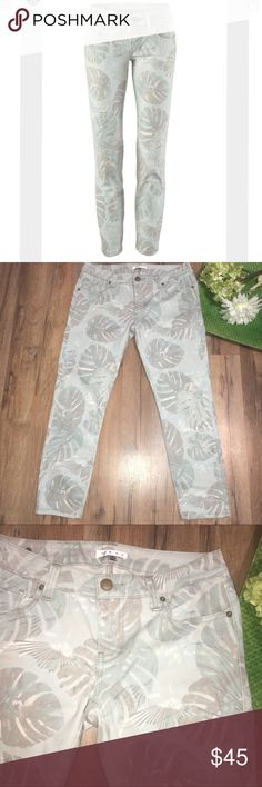 """CAbi #227 paradise crop tropical leaves skinny Waist: 15"""" 