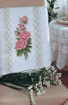 1 million+ Stunning Free Images to Use Anywhere Free To Use Images, Antique Roses, Stitch 2, Bargello, Cross Stitch Flowers, Hobbies And Crafts, High Quality Images, Finding Yourself, Decorative Boxes