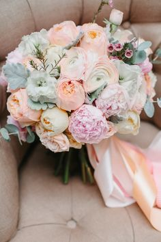 60 Super Ideas For Wedding Flowers Arrangements Pastel Pastel Bouquet, Blush Bouquet, Pastel Flowers, Flower Bouquet Wedding, Boquette Wedding, Floral Wedding, Bride Bouquets, Floral Bouquets, Romantic Wedding Colors