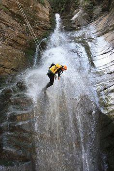 Le Canyoning Est Une Activit Dt De Nature Apparente La Splologie