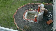 Mini estanque con cascada, mínimos materiales.