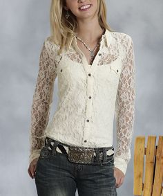 Western flair meets feminine appeal with this lovely top. Its delicate lace makes it a perfect pick for claiming that layered look on a sun-drenched day.