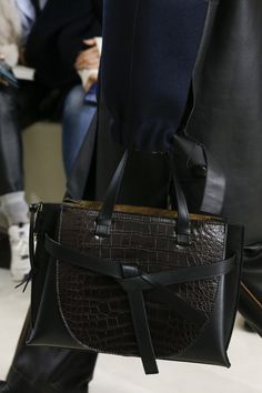 f0b71d2140a7 Loewe Fall 2018 Ready-to-Wear Collection - Vogue Hermes Handbags