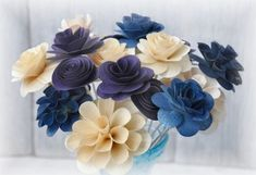 Two Dozens assorted wooden flowers Blue, Purple, Ivory Calla Lily Flowers, Sola Wood Flowers, Wooden Flowers, Fabric Flowers, Wooden Flower Bouquet, Flower Bouquets, Corn Husk Crafts, Flowers For Mom, Paper Flowers Wedding