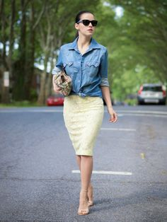 bittersweet colours, brocade clutch, denim shirt, dorothy perkins, lace skirt, lace trend, Levis, nude sandals, pastels colors, Spring, stre...(muito amor por esse look)