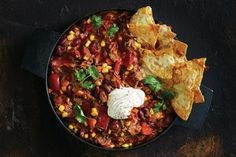 Easy dinner recipes Cheesy Chips, Cheesy Corn, Dinners To Make, Easy Family Dinners, Easy Meals, Tuna Pasta Bake, Pulled Beef, Mexican Food Recipes, Ethnic Recipes