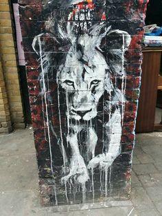 Lion, street art, Shoreditch, 2015