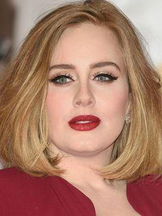 Celebrity makeup artist Andrew Sotomayor teaches Stylish staffers how to do Adele's trademark makeup on any eye shape Adele Eyes, Adele Hair, Green Eyes Pop, Makeup For Green Eyes, Dupes, Adele Makeup, Brit Awards 2016, Adele Photos, Adele Concert