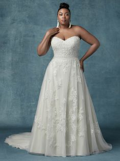 42 Best PLUS SIZE WEDDING DRESSES • The WeddingEmbassy ...
