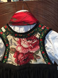 Folk Costume, Costumes, Color Shapes, Traditional Outfits, Scandinavian, Colours, Embroidery, Boho, Womens Fashion
