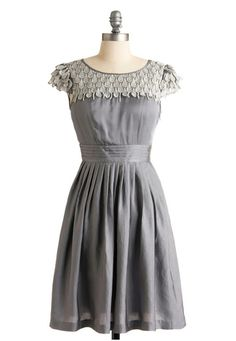 Obsessed w/ Downton Abbey right now. Roundup of romantic dresses.